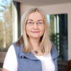Aleksandra Duk Mitarbeiterin von Pflegehilfe redet über 24 Stunden Betreuung, betreutes Wohnen, Betreuung bei Demenz, Betreuung bei Alzheimer, Betreuung bei Parkinson und Palliativcare
